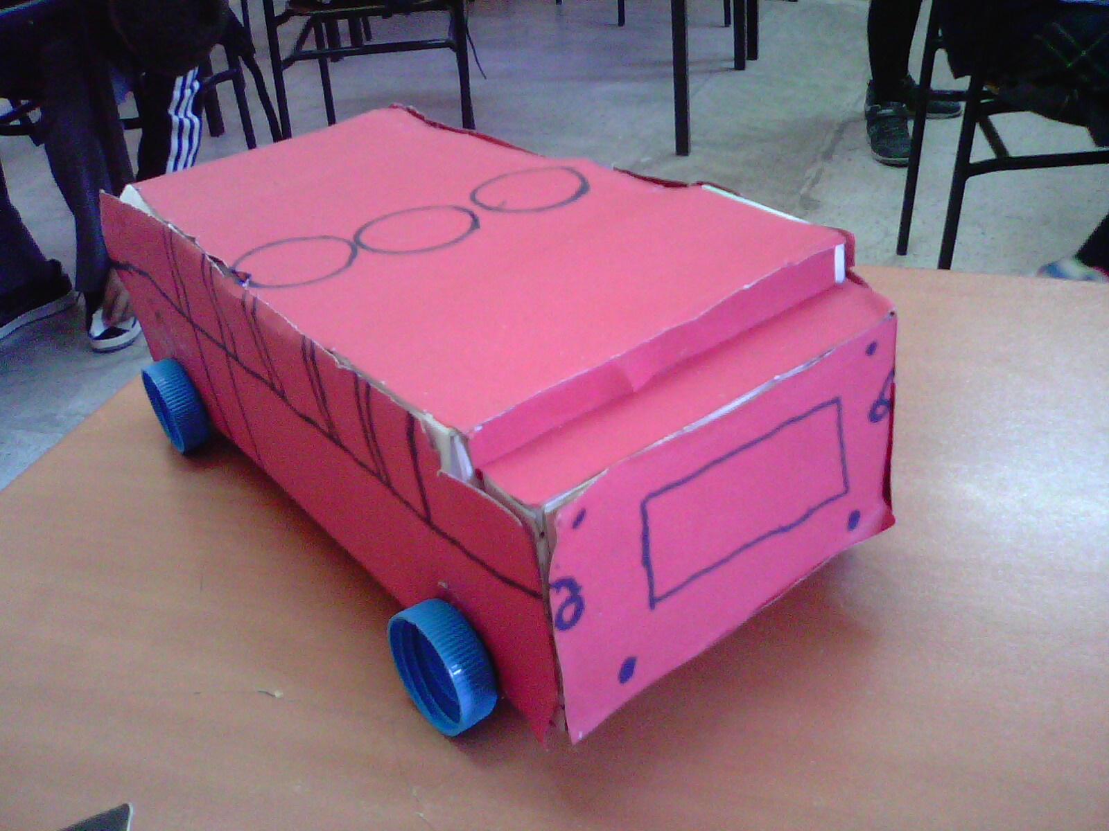 Sinan ın ilaç kutuları ile yaptığı otobüs ve diğer gurubun