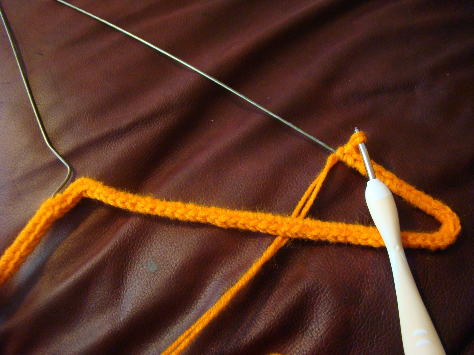 Crocheting On A Hanger : Nana Jones: The Craft Know It All: Crochet Cover Your Wire Hangers