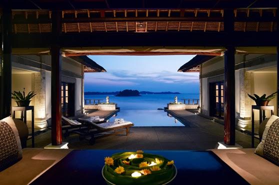 Luxury hotels ritz carlton kapalua maui for Best luxury hotels in maui