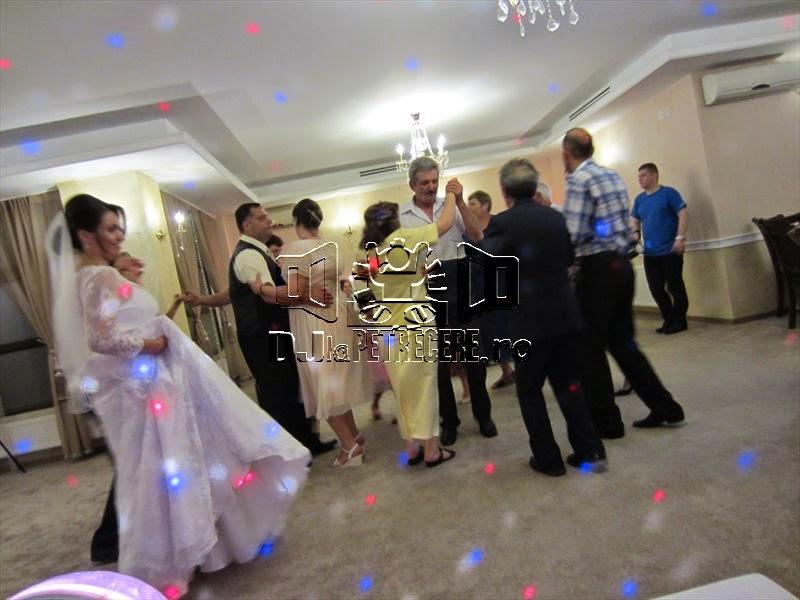 Nunta cu DJlaPetrecere.ro la Casa Banil Rahova - 5