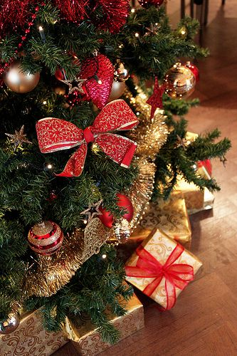 Tipos de decoraci n para un rbol navide o decorar tu - Decoracion arbol navideno ...