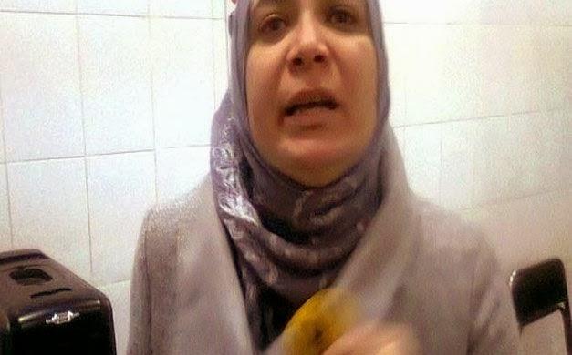 """ترحيل طبيبة """"دبوس رابعة"""" لسجن"""