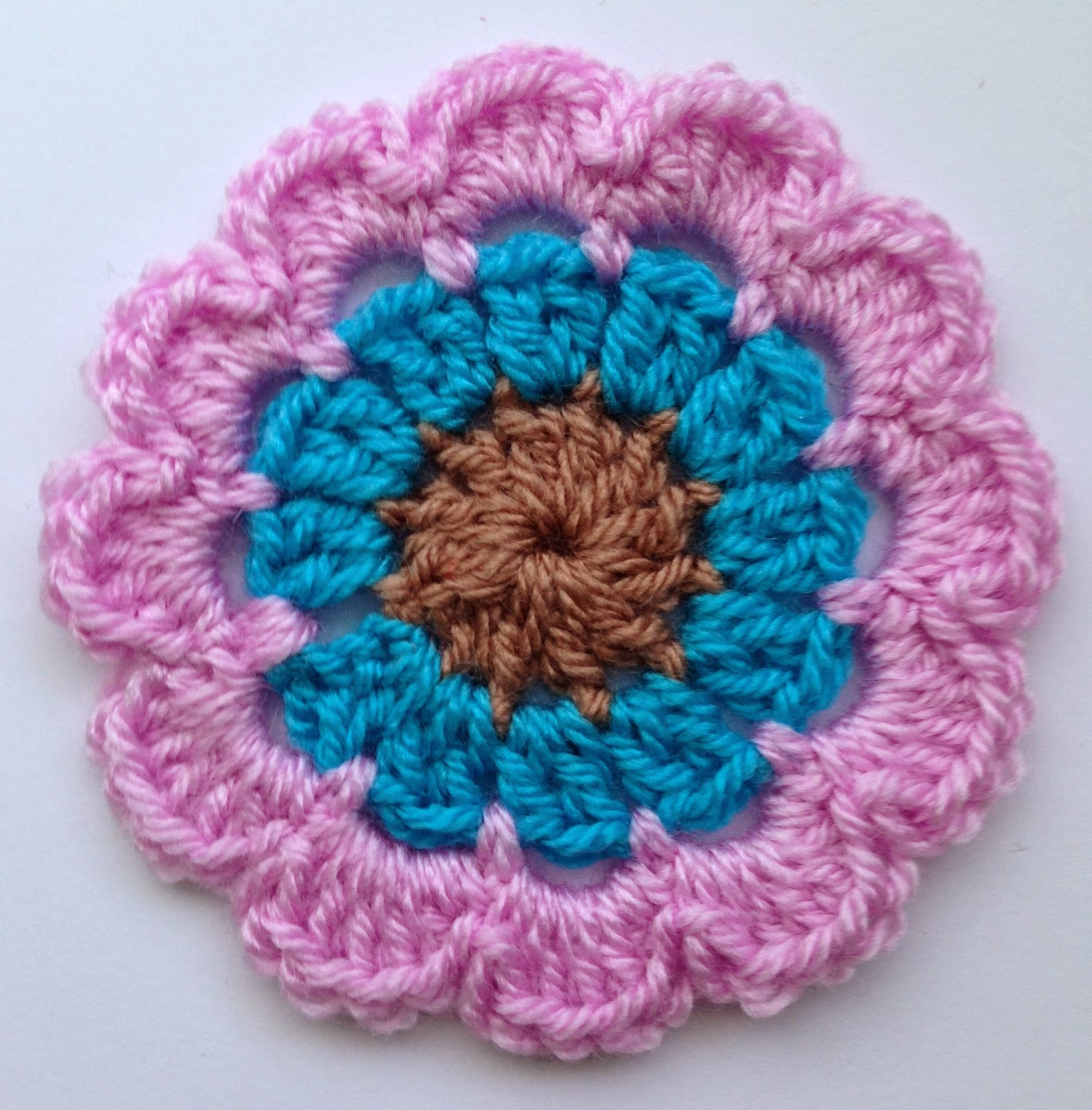Crochet Chat Corner Free flower pattern