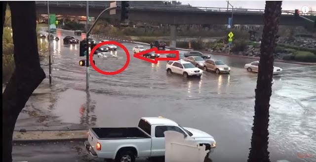 Lamborghini Gallardo Saat Banjir
