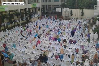 Tradisi Silaturahmi dan Utaqo di Pesantren Darul Falah Cihampelas KBB