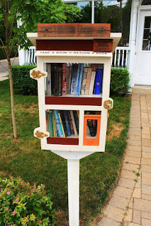 Wrigley's Little Free Library, Toronto