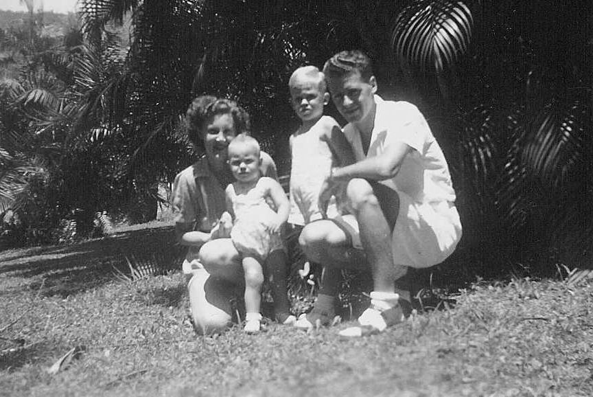 Thelma and Harry Hunter with children David and Doug