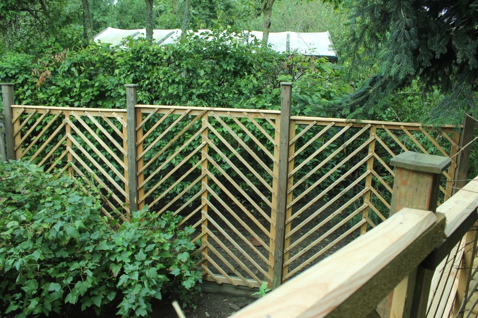 Diy garden gazebo from pallet wood part 2 trellis panels How to build a trellis