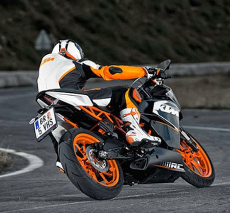 test ride KTM RC200