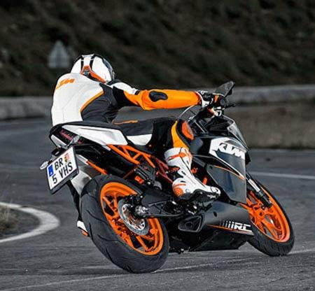 test ride KTM RC200