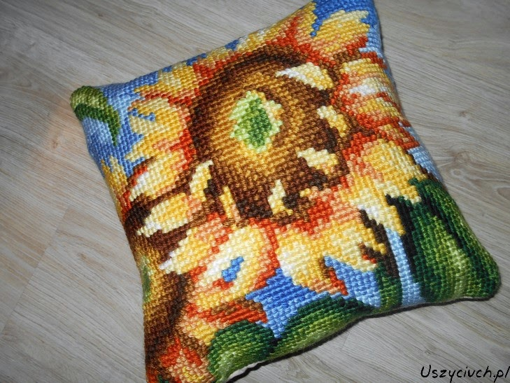 słonecznikowa poducha haft krzyżykowy