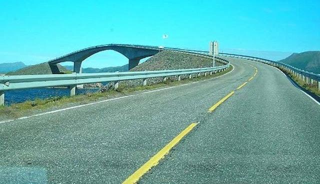 Jalan Layang Paling Ngeri Sedunia http://www.opoae.com/2013/03/jembatan-di-norwegia-yang-paling.html