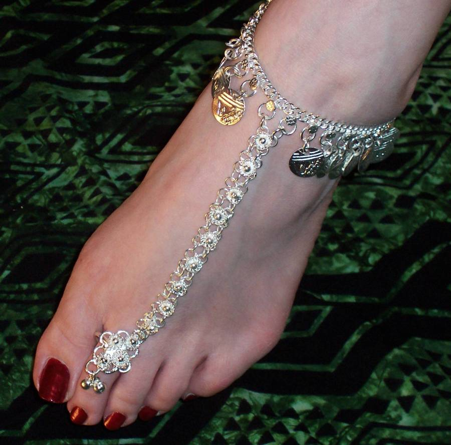 Latest Fashion: New Latest Anklets For Ladies 2012