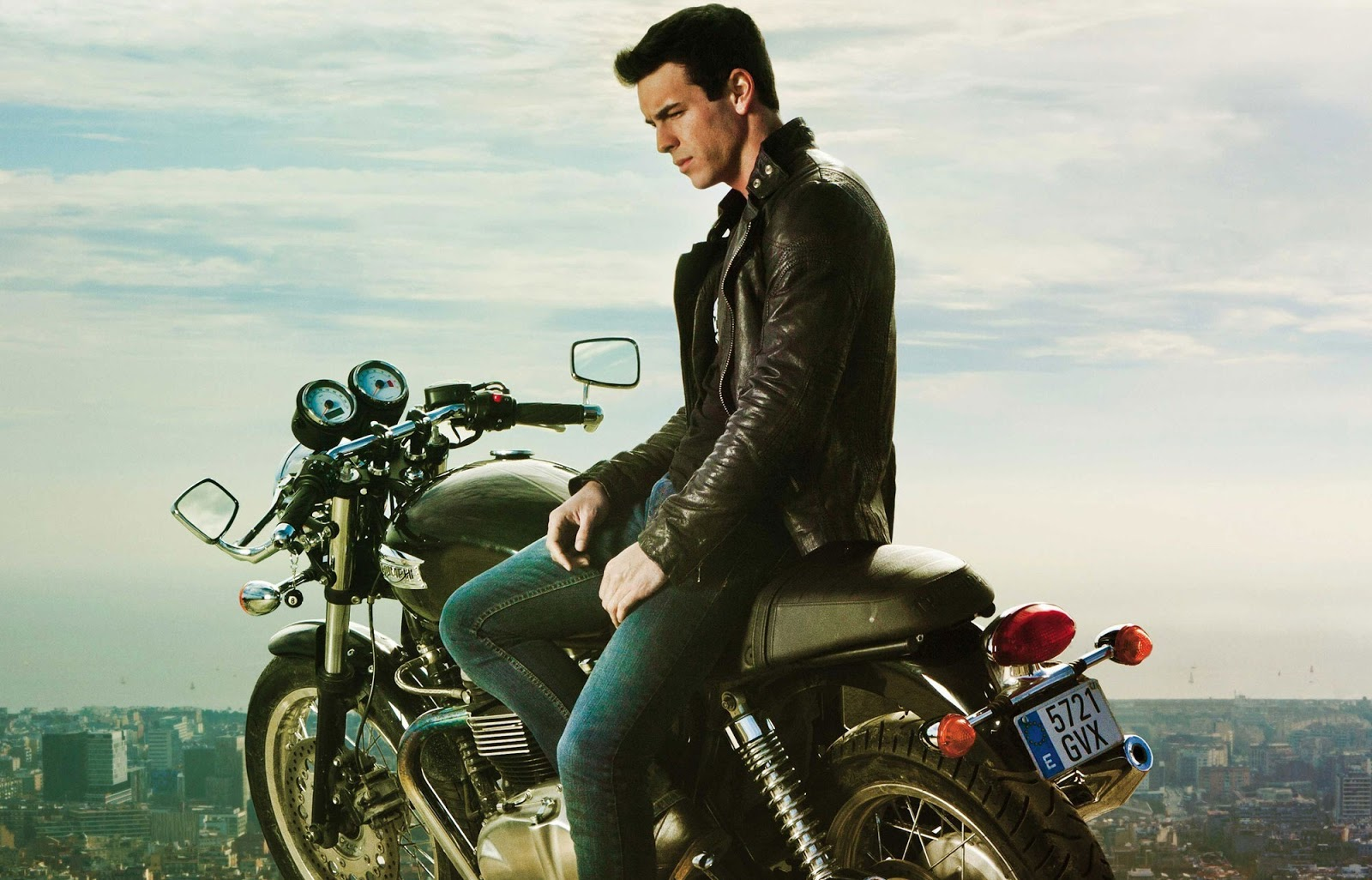 Three meters above the sky mario casas actor motorcycle hache