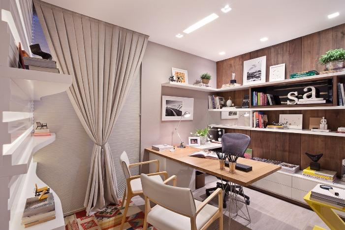 ideias e projetos de decoracao de interiores:vidro e madeira compõe a fachada e recepção