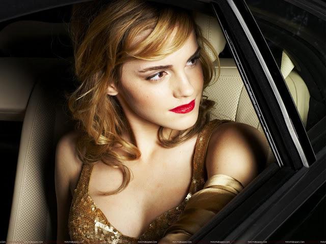 Emma Watson Hot Hollywood Model Wallpaper