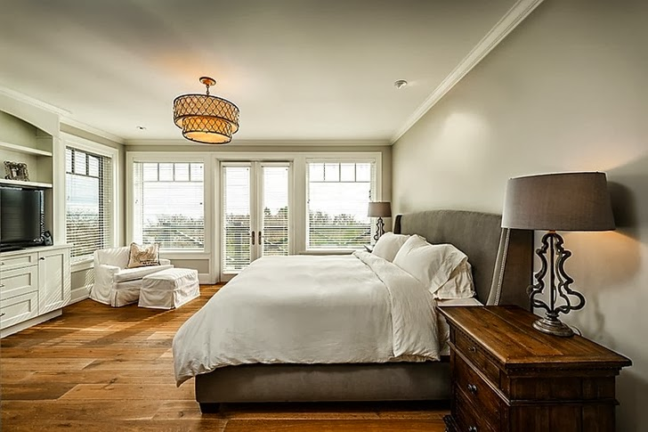 Bedroom in Stunning Canadian beach home