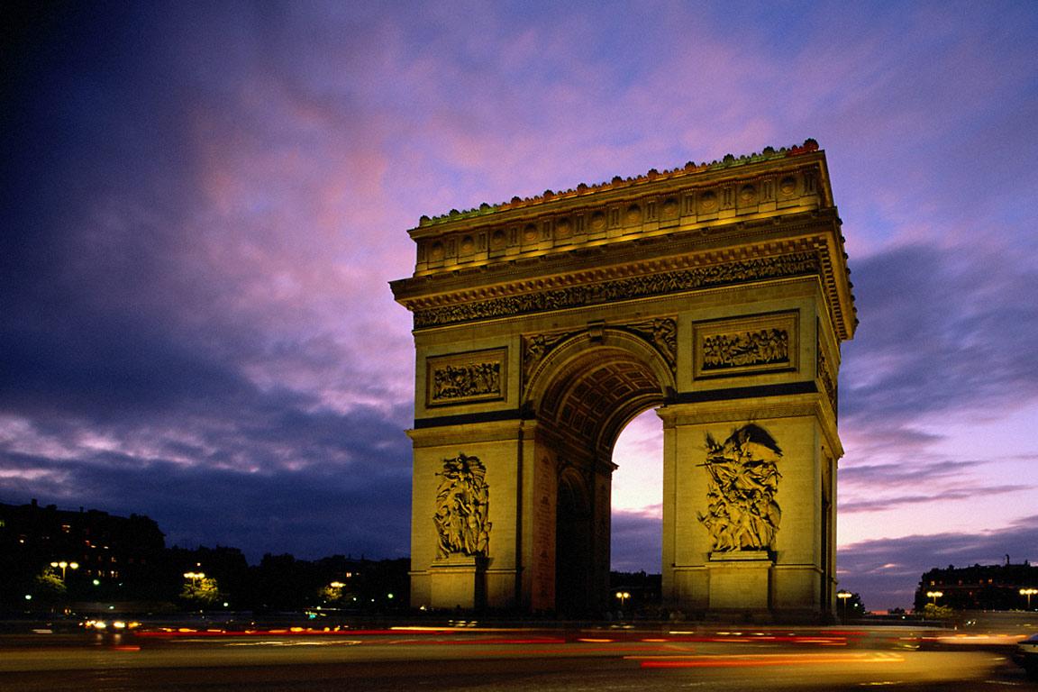 http://3.bp.blogspot.com/-q9GDDjXxU_w/TgKGYC3mgZI/AAAAAAAABks/5n-KDHlE98o/s1600/Arc+de+Triomphe+Paris+France.jpg