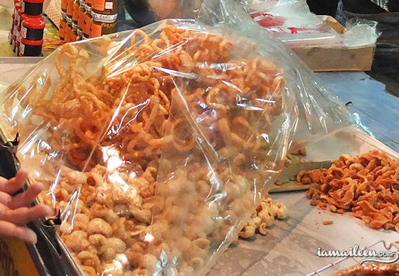Top 10 Street Food Dishes in Chiang Mai Thailand Kaeb Moo Crispy Pork Rinds