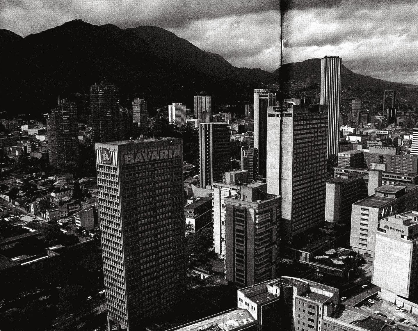 Historia de la arquitectura moderna guillermo berm dez for Arquitectura moderna en colombia