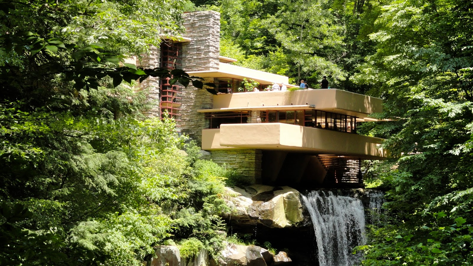 Travel on the level wright 39 s fallingwater doesn 39 t disappoint for House built on waterfall