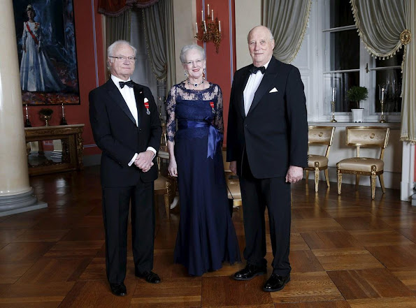 The gala dinner was attended by royal family of Norway and also Queen Margrethe of Denmark, King Gustaf of Sweden and his wife Queen Silvia, parliament and government members and other guests.