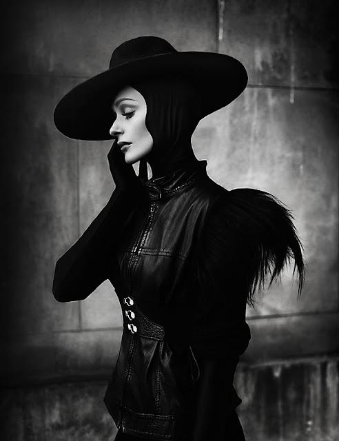 Черно-белые фэшн портреты Елизаветы Породиной
