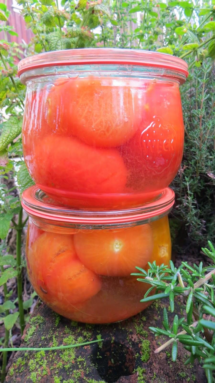 meine kleine welt tomaten enth utet einkochen. Black Bedroom Furniture Sets. Home Design Ideas