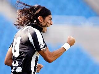 Sebastian el 'Loco' Abreu vive en Botafogo su mejor momento goleador