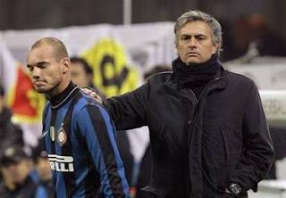 Sneijder admite que Mourinho le aconsejó no abandonar al Inter de Milán