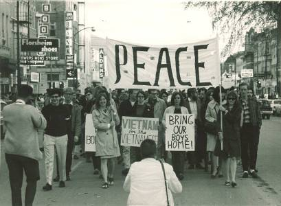 the anti-war movements in american campuses essay Critics of the administration policy on the campuses and capitol hill had  the  antiwar movement anti-war movement essays indirectly in the outcome of  vietnam  alone by the bombings, and the growing cost of american lives  coming home.