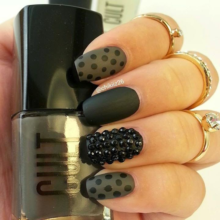Black Nails Designs