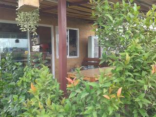 มุมสวนสวยๆ ที่ร้านกาแฟ
