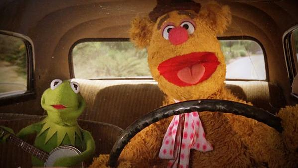 Fozzie Bear and Kermit the Frog perform NWA's Express Yourself. AnimalRobot Atomlabor Blog
