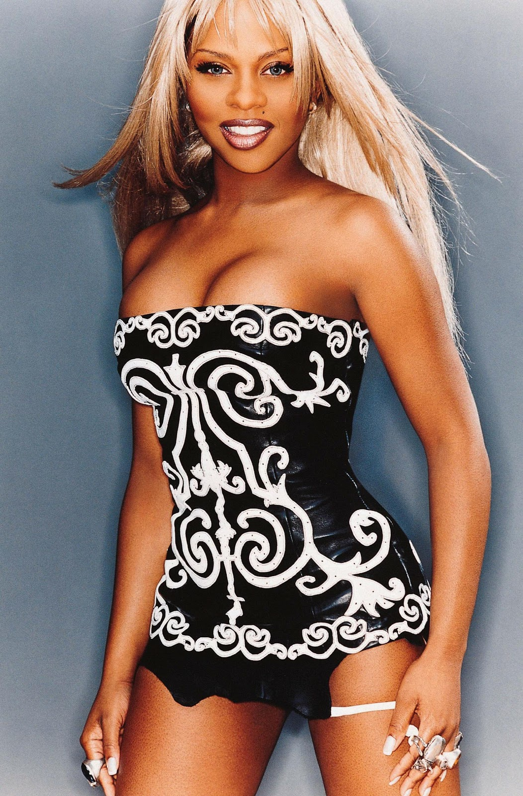 Lil Kim Is An American Rapper And Actress Born In Brooklyn, New York