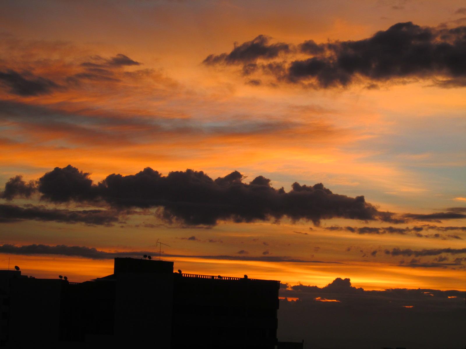 Los colores de Ibagué a la madrugada.