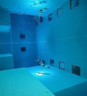 Piscina mais funda do mundo para a prática de mergulho