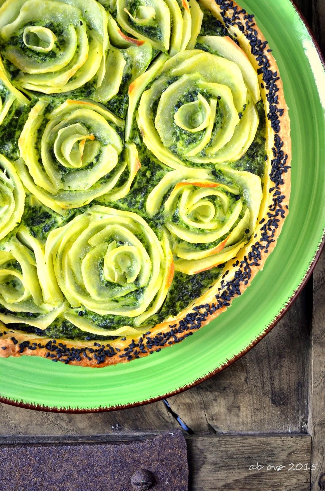Torta-salata-fiorita-con-erbette-epatate-e-brisee-di-michel-roux