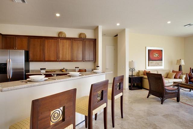 Como resultado, la gente tiene que conformarse con pequeñas propiedades para construir casas minimalistas.