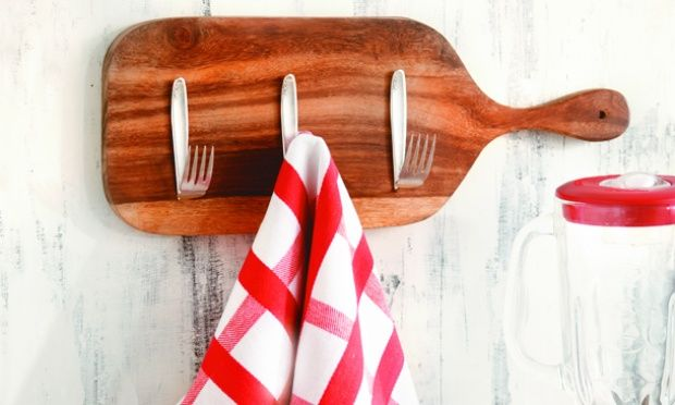 decorar cozinha velha: Fogão: Criatividade com a tábua de carne para decorar sua cozinha