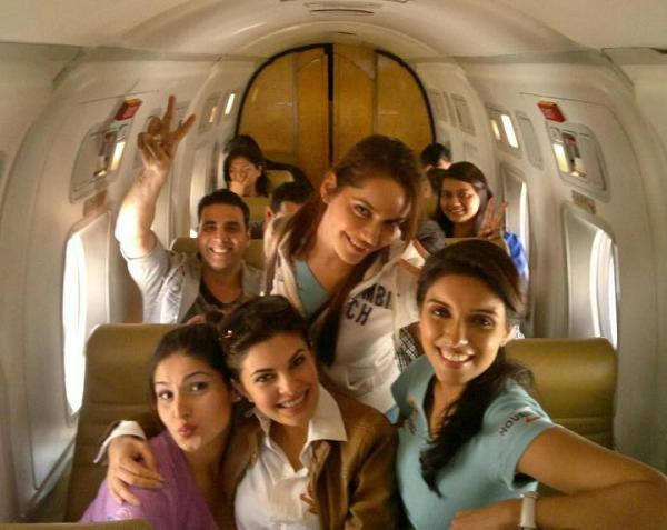 Housefull 2 Movie Promotion in Indore - Housefull 2 starcast in aeroplane