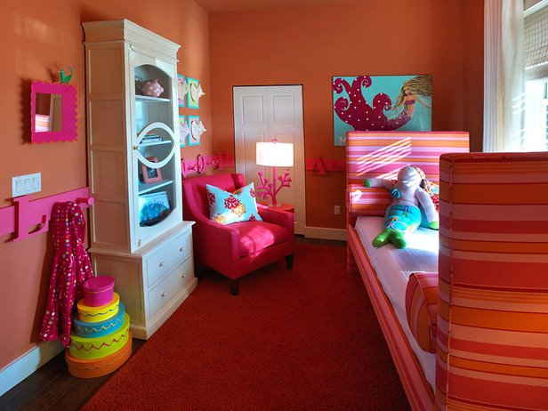 Cute and colorful teen girls room decor photos enter for Colorful bedroom ideas for teenage girls