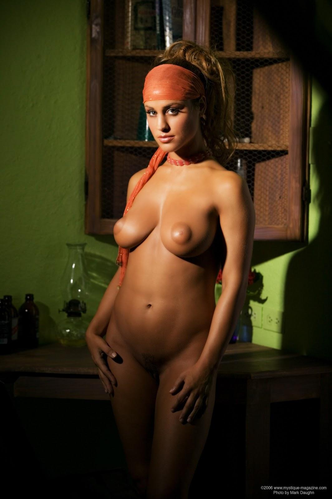 Anekee big tits