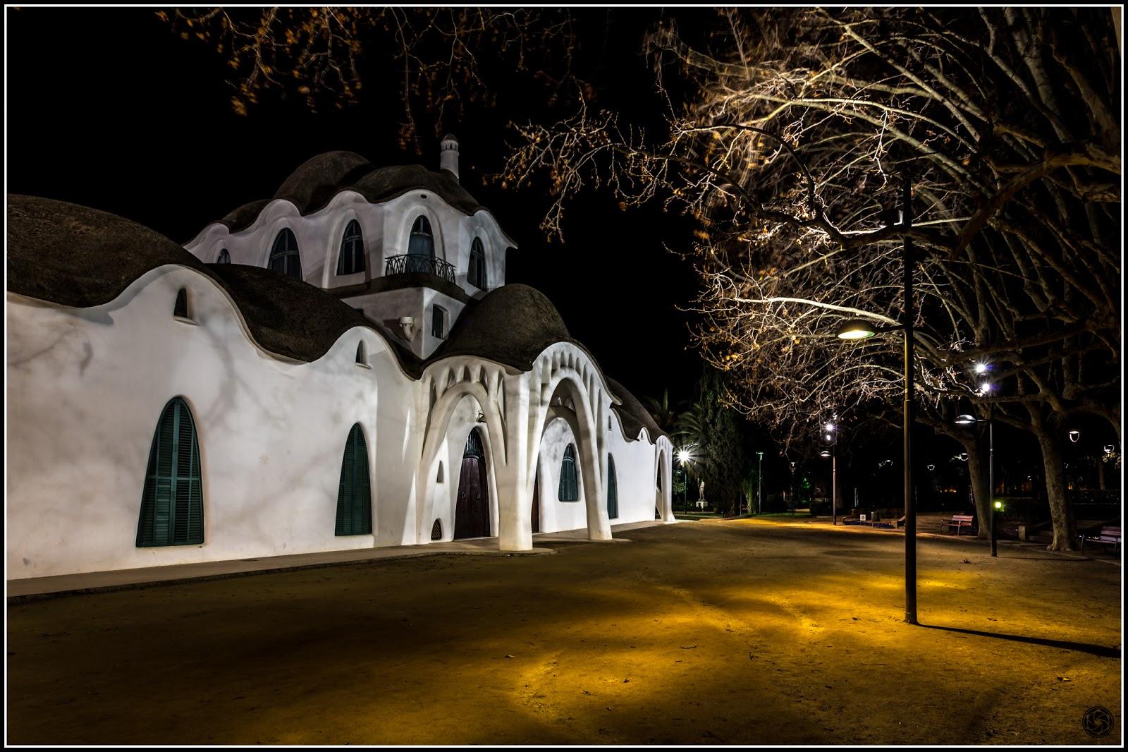Masía Freixa, vista nocturna de la fachada norte :: Canon EOS 5D MkIII | ISO 100 | Canon 17-40 @21mm | f/10 | 3.2s (trípode)