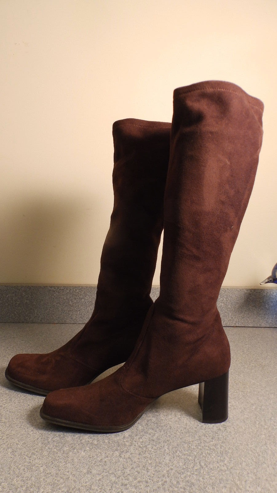 http://www.ebay.com/itm/Franco-Sarto-suede-knee-boots-brown-size-9-1-2-M-/321692645592?pt=LH_DefaultDomain_0&hash=item4ae66038d8