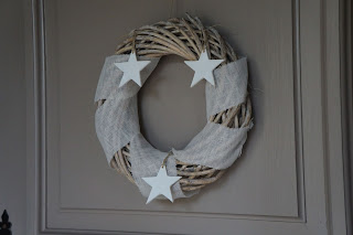 couronne-de-Noël-bois-lin-étoiles-blanches-urlu-et-berlu-lille