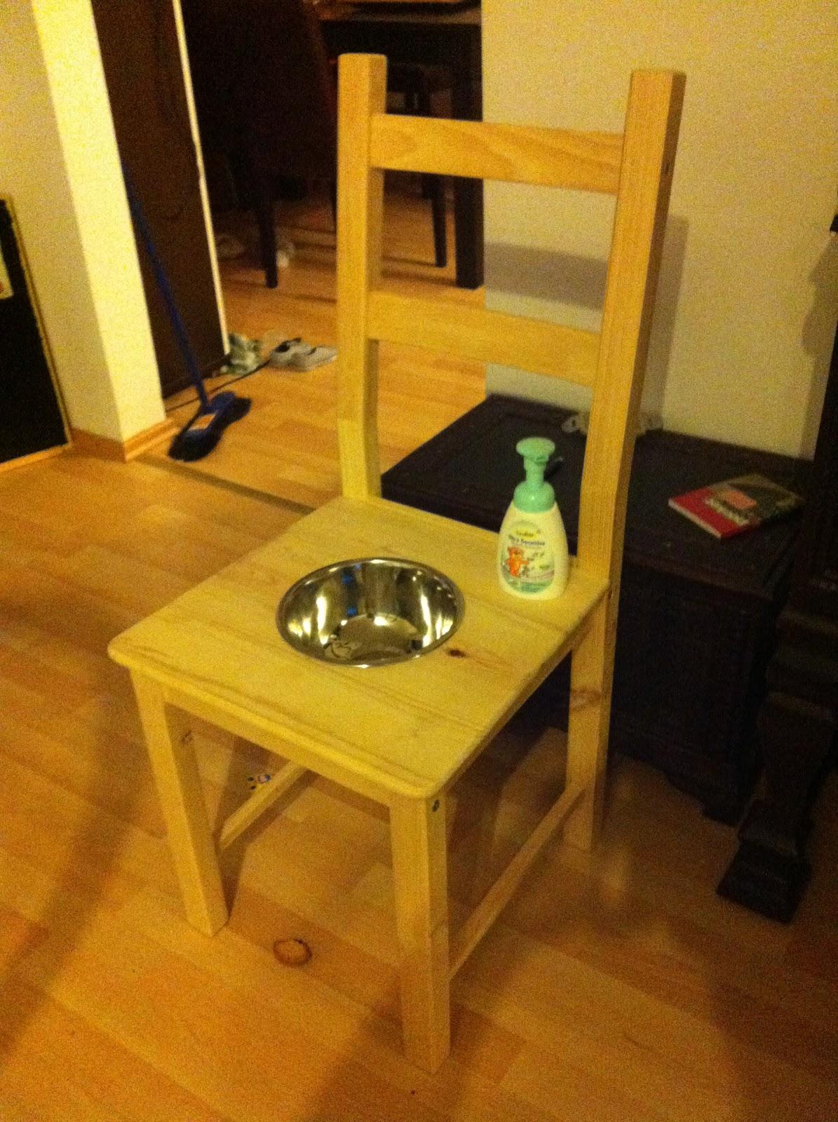 ha h ndmade waschstuhl ha h ndmade mit holz klappts auch. Black Bedroom Furniture Sets. Home Design Ideas