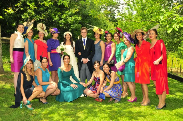 Tips para tus fiestas elegir un look para una boda en for Boda en jardin vestidos