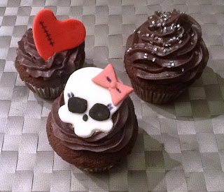 pasta-di-zucchero-cup-cake-monster-high-frosting