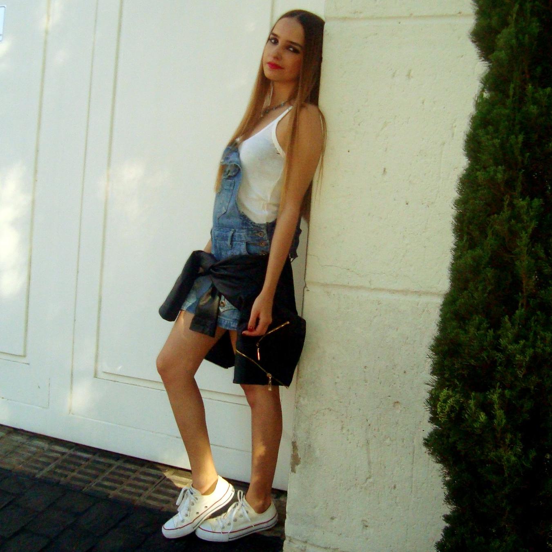 Ana s lvia diniz jardineira jeans for Jardineira jeans c a